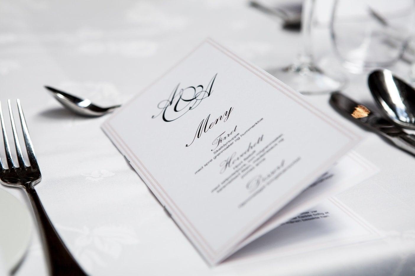 9 elementów, które tworzą atmosferę restauracji menu