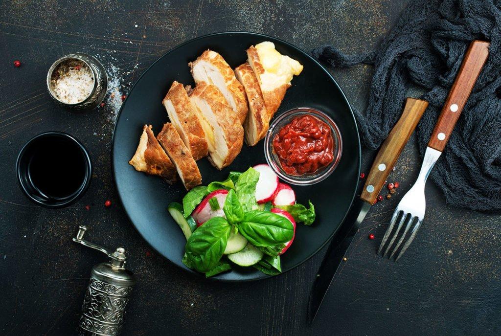 potrawa restauracyjna przygotowana w piecu piece w gastronomii Profesjonalne piece w gastronomii. Jak wybrać optymalne rozwiązanie? potrawa restauracyjna przygotowana w piecu 1024x687