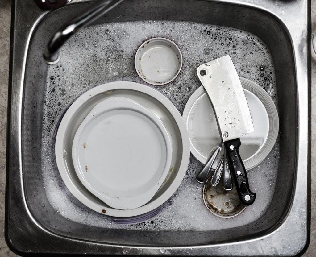 zmywanie naczyn w gastronomii  Zmywarka gastronomiczna – na co warto zwrócić uwagę przy jej zakupie? zmywanie naczyn w gastronomii 1024x833